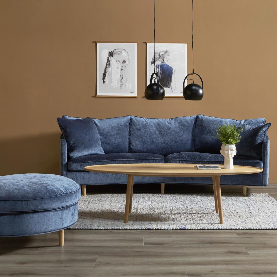 Stue med vegger malt i Rustikk mellombrun